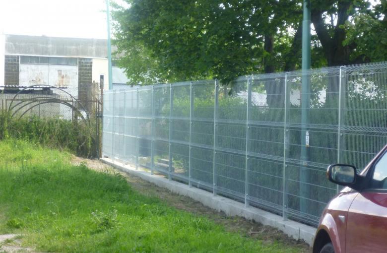 Choszczno, Enea, ogrodzenie panelowe