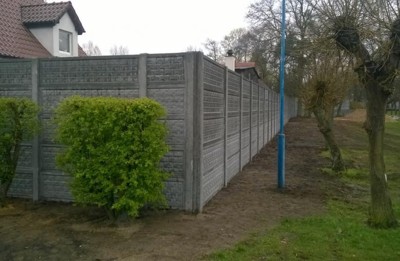 Drezdenko - ogrodzenie stadionu miejskiego
