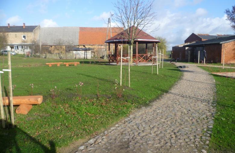 Plac rekreacyjny we wsi Równo